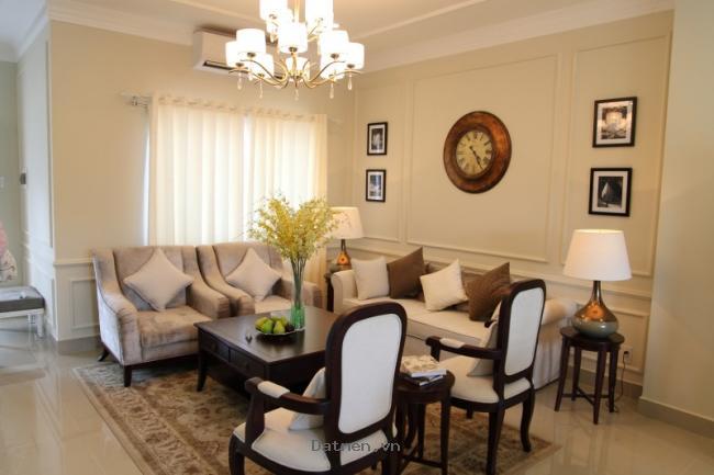 Cần bán nhà đẹp mặt tiền, xây mới hoàn toàn tại Quảng Ngãi. Nhà 03 tầng, 03 phòng ngủ, 03 tollet, có sân thượng