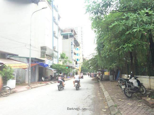Bán nhà cấp 4 KĐT Ngô Thì Nhậm,  khu E: 50m2, MT 4m, hướng Đông Nam, đường 13,5m, kinh doanh tốt