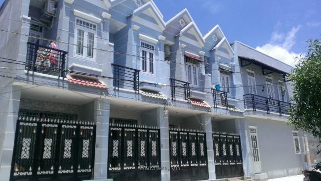 Nhà mới xây 1 trệt 1 lầu giá 530tr