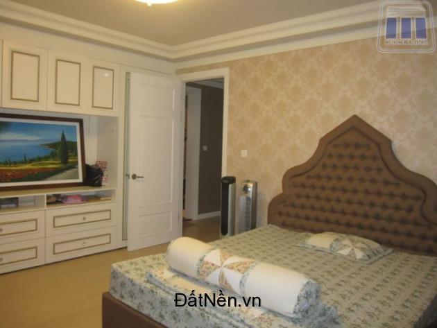 Cần bán căn hộ CTV Hoàn Cầu, 2PN-120m2, view sông SG, giá tốt 4,2 tỷ. LH: 0909.038.909