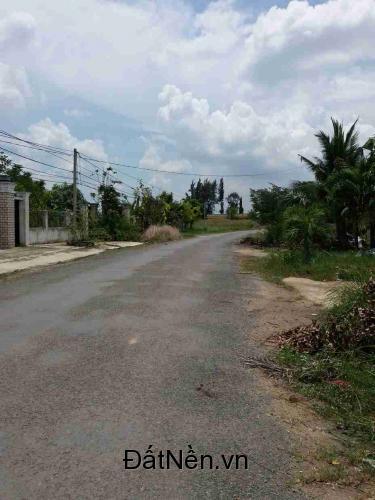 Bán 600m2 đất thổ vườn đường Nguyễn Văn Tạo Nhà Bè có 300m2 TC Đường nhựa 17m