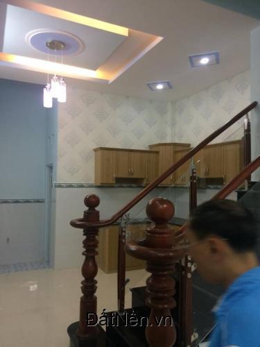 án nhà riêng 3 tầng mới ,2 lầu,sân thượng,đường Lê Văn Lương.