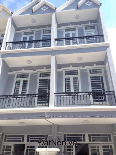 Cần bán gấp căn nhà phố thuộc đường Lê Văn Lương. Diện tích: 120m2.