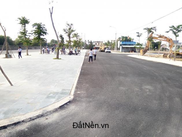 sốt với đất mặt tiền QL 1A, dân cư đông đúc, ngay thị trấn Hà Lam- đối diện bệnh viện Thăng Hoa