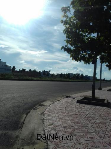 nhà phố kinh doanh-giá 730tr-DT:90M2-SHR-đường 27m-đối diện thương mại-0906.733.464