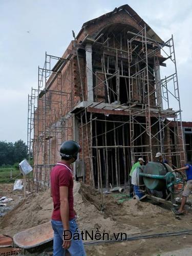 Nhà mới xây gần ngã tư bình chuẩn sổ hồng chính chủ
