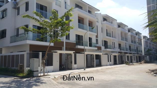 Cần bán gấp lô liền kề Green Pearl 378 Minh Khai, 73,5 m2, nhận nhà làm sổ đỏ, view nhìn chung cư. Lh 0903222591