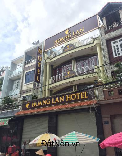 Khách sạn mới 4 lầu, 10 phòng, mặt tiền ngay chợ Bà Hom, vòng xoay phú lâm