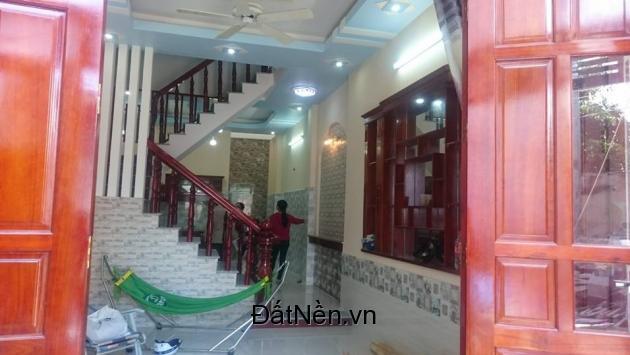 Nhà mới 3.75x15m, hẻm ô tô Hương lộ 2, đúc thật 1 lầu, 2.68 tỷ