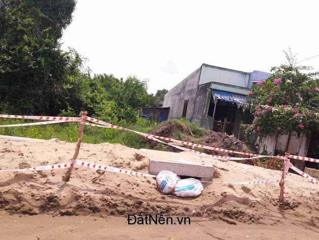 300m2 đất mặt tiền Nguyễn Văn Tạo đối diện cổng khu cảng Biển giá 2.4 tỷ
