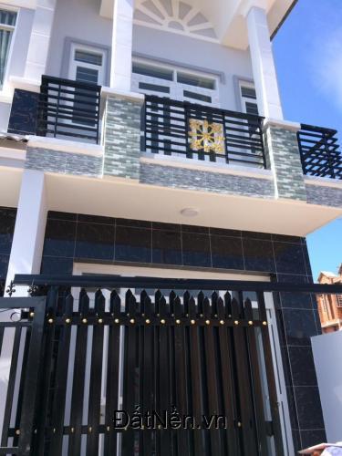 Bán gấp nhà 3 tầng ở Huỳnh Tấn Phát,Phú Xuân,Nhà Bè ,DTSD:135m2  -DT: 3x15m - DTSD:135m2