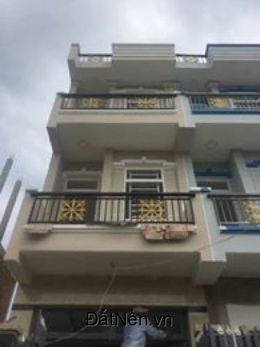 .Cần bán nhà mới đẹp nằm mặt tiền đường 12m, DTSD :240m2, ngay trung tâm thị trấn Nhà Bè