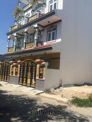 Bán nhà mới xây Huỳnh Tấn Phát,Phú Xuân,Nhà Bè.DTSD :135m2