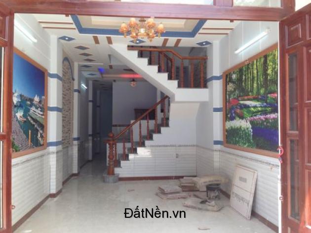 Cần tiền xoay nợ bán gấp nhà nở hậu 3 tầng HXH Âu Cơ, Quận Tân Bình 42m2 chỉ 5 tỷ TL.