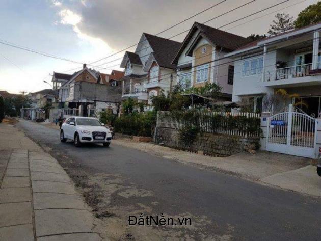 Bán gấp Biệt Thự đẹp đường Lý Nam Đế, thành phố Đà Lạt.