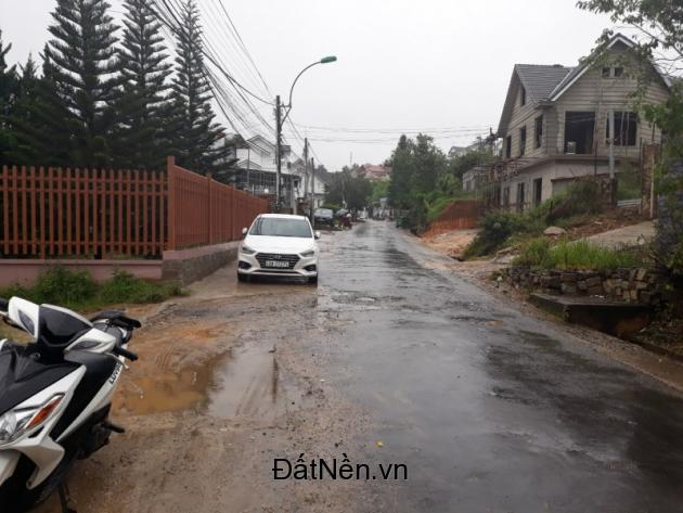 Cần tiền bán gấp lô đất xây dựng 2 mặt tiền đường Trần Quang Khải – P8 - Tp Đà Lạt