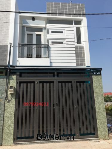 Cần bán gấp căn nhà phố 1 trệt 1 lầu , shr , 950tr