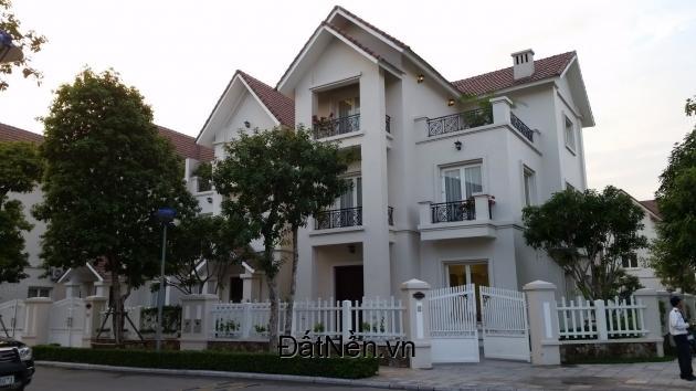 Cần tiền đi du học bán gấp căn Biệt Thự ngay đường số 13, Khu Tên Lửa Bình Tân, SHR.