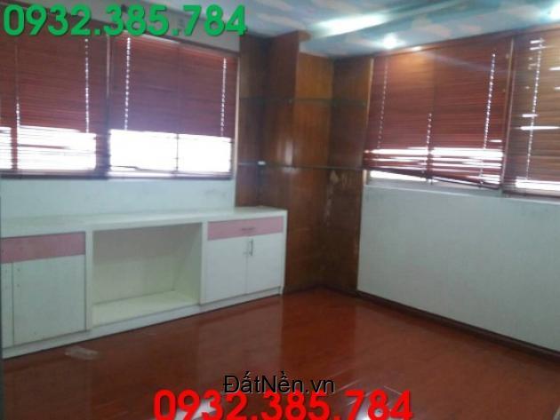Bán căn hộ nằm tại chung cư H3. LH:0932385784