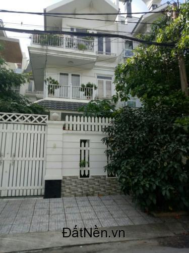 Cần tiền kinh doanh bán gấp căn nhà ngay đường Đinh Đức Thiện, sau lưng Chợ Bình Chánh, SHR, giá rẻ.