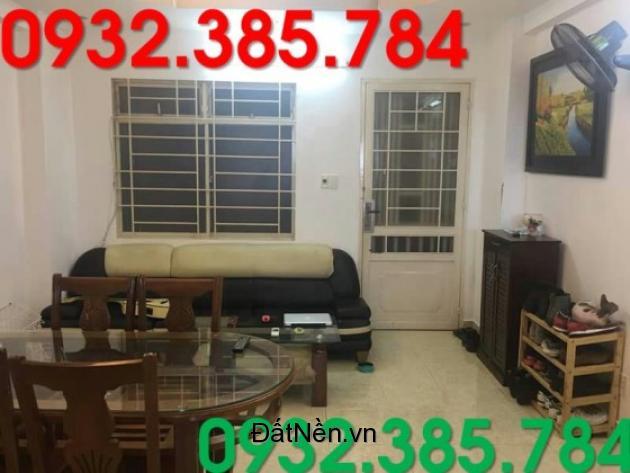 Cho thuê căn hộ 2PN giá 11tr/tháng tại quận 4.