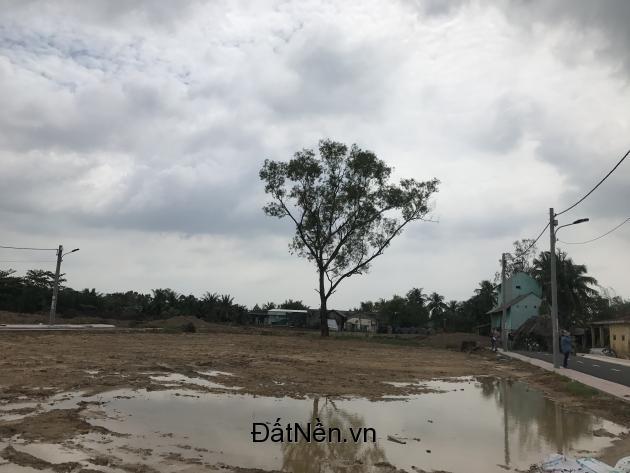Chính chủ cần bán 2 lô đất thổ cư mặt tiền đ.Nguyễn Xiển, quận 9. DT: 57m2, 69m2. Giá: 1tỷ720/nền.