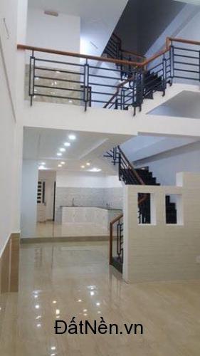 Đổi chỗ ở cần bán gấp căn nhà Phan Văn Hớn, Hóc Môn giá 1ty750