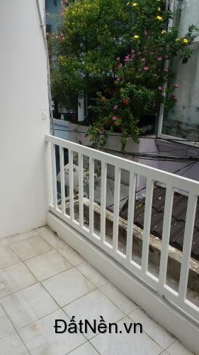 Cần bán gấp nhà hẻm Chu Văn An giá 2,2 tỷ