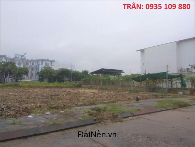 Đất mặt tiền view sông đường Nguyễn Thành Ý vuông góc với Thăng Long