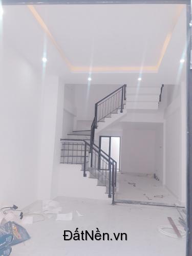 Bán nhà 3 tầng ngay trung tâm quận Cẩm Lệ, gần UBND phường Khuê Trung.