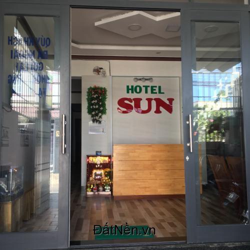 Kẹt tiền cần ra nhanh khách sạn đang kinh doanh ngay trung tâm TP.Phan Rang, có hệ thống điện năng lượng mặt trời 52m2, full nội thất