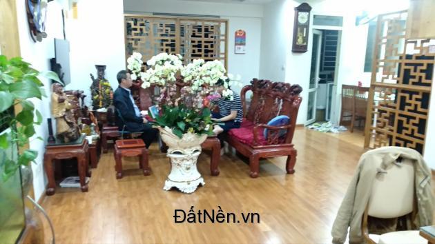 Bán căn góc toà A1 CC 151 Nguyễn Đức Cảnh 3PN 122m2 nhà đã sửa lại toàn bộ 2.8 tỷ 0937026888