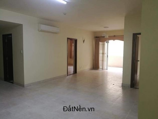 Cho thuê Hùng Vương Plaza - 3 phòng ngủ - 3 wc Tầng 19