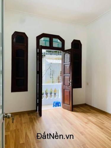 Cần bán gấp nhà ở Hoàng Hoa Thám 45m2, 4 tầng, giá 4.3 tỷ