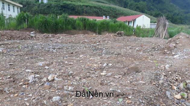 Chính chủ có mảnh đất cần bán tại Đồng Văn liên hệ trực tiếp SĐT: 0988261073