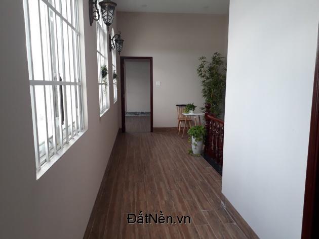 Nhà đẹp hai mặt tiền đường Nguyễn Văn Cừ