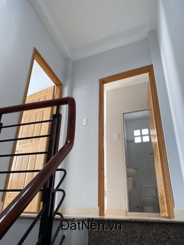 Bán nhà Hẻm 3,5m Nguyễn Đình Chiểu. P4. Q3.  DT: 4 x 11m trệt lửng 3 lầu sân thượng
