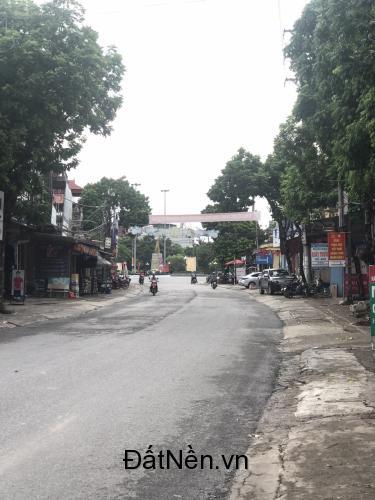 Bán gấp nhà 3 tầng- ngay trung tâm thị trấn Thắng