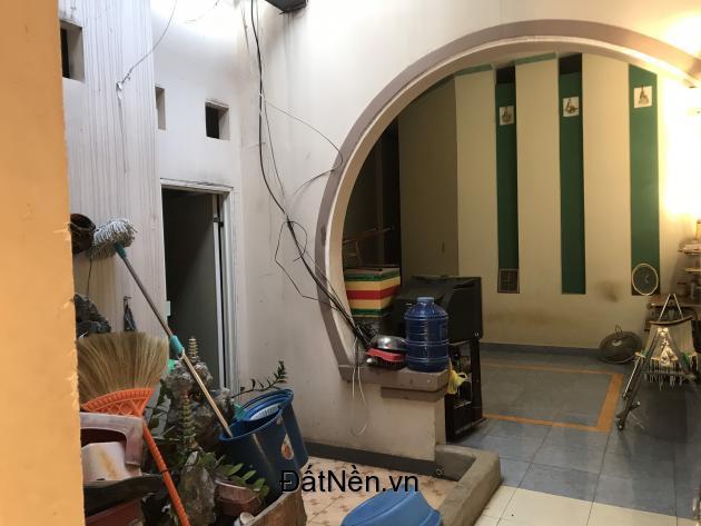 Nhà 1 trệt 1 lầu cho Thuê làm văn phòng, giá rẻ đường Khổng Tử, Long Khánh