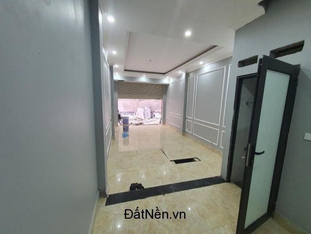 Nhà Đẹp Phố Trần Cung Mới Nguyên Gara Ô Tô, 46 m2 5 Tầng Giá 4,4 Tỷ