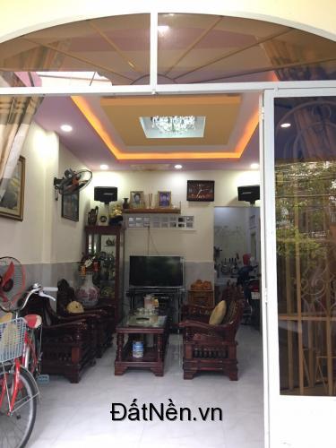 Chính Chủ bán nhà mặt tiền vị trí đẹp tại Khánh Hòa
