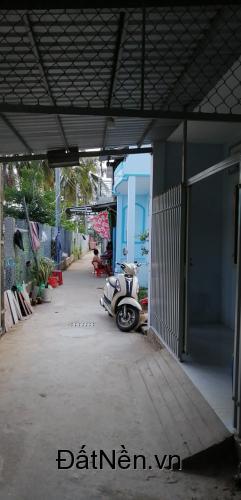 Bán nhà 1 trệt 1 lầu chính chủ, giá rẻ gần Chợ lớn Trà Vinh
