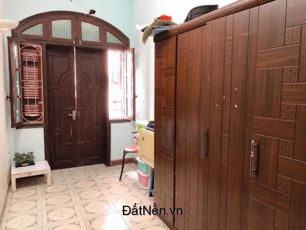 Cần bán gấp nhà Nguyễn Chí Thanh, Đống Đa, 2 thoáng trước sau, 50m ra phố, 41m2, 7.6 tỷ