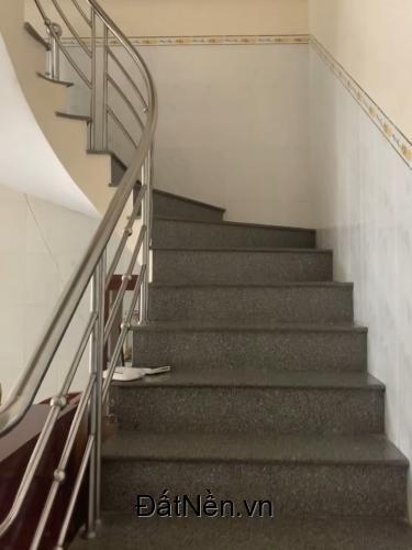 Cho thuê nhà 1 trệt 1 lầu, 170m2, giá rẻ, phường Tân Phong, Biên Hoà