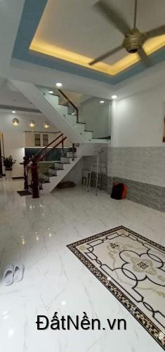 bán nhà 2 mặt tiền  40m2  3 tầng, Huỳnh Văn Bánh, Phú nhuận chỉ 4 tỷ 8.