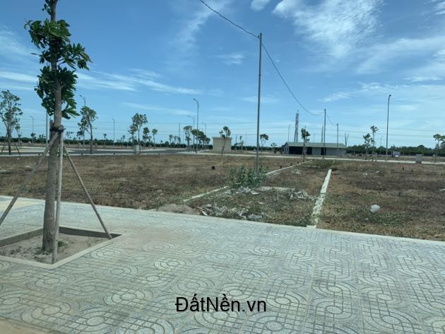 Cần bán lô đất 120m ngay P. Long Hương, Tp Bà Rịa, Mt quốc lộ 51
