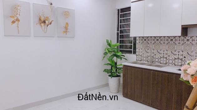 Chính chủ bán ccmn Bạch Mai - Trần Khát Chân 700tr/căn 1-2PN, nội thất cao cấp, sổ hồng