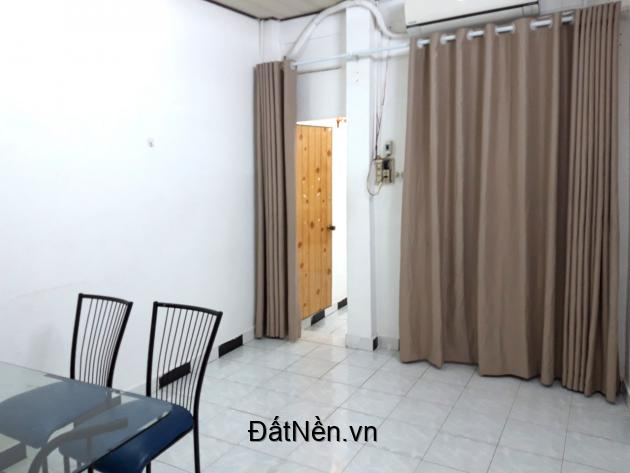 Cho thuê nhà nguyên căn hẻm cách mặt đường chính 30 m, 39 BIS đường Đặng Dung, Phường Tân Đinh, Quận 1.