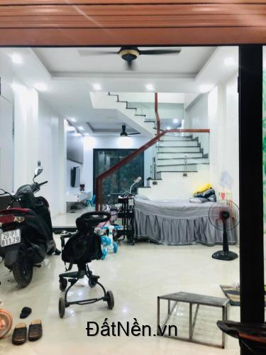 Cực hiếm! Nhà đẹp Nguyễn Khánh Toàn, kinh doanh,an sinh đỉnh,52m2*5T*MT4M.Giá chỉ 6.85 tỷ