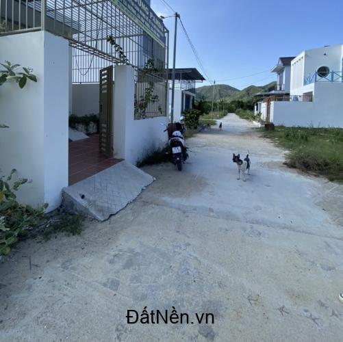 Cần bán nhà mới xây Phước Đồng